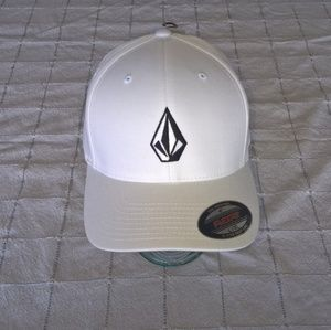 Volcom Stone Fitted Hat L/XL